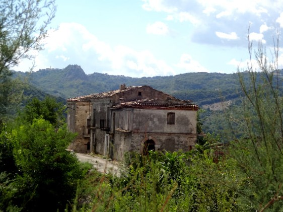 Lake view, detached , 250sqm ruin to restructure with 1000sqm of land 1