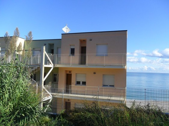 Abruzzo at the countryside Beach apartment with two bedrooms in prestigious block overlooking the sea1