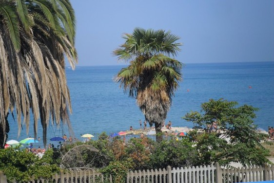 300 meters to beach, sea view, recently renovated, ground floor apartment with garage1