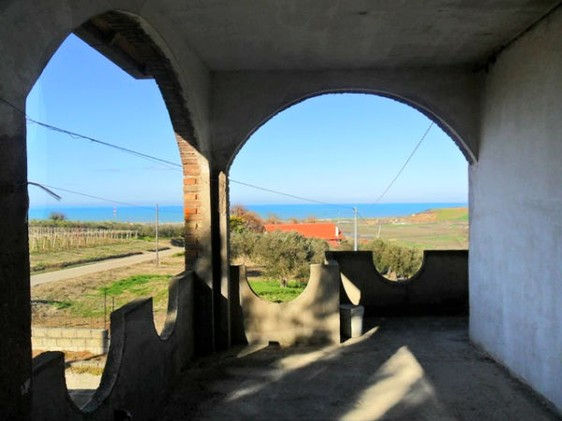 Open, long sea views from this 300sqm house on two floors2