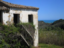 Ruin with sea view , 2km to beach, in quite borgo.