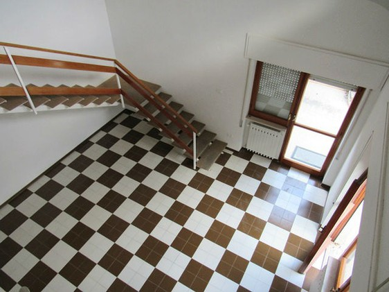 Finished, ground floor duplex apartment with private garden in a peaceful road near the center of Lanciano1