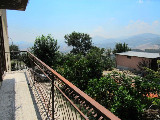 Apartment with attic, of 100sqm plus 50sqm of attic. Open, valley and mountain views1