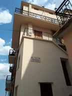 Stone structure, 3 bedroom, 2 bathroom, finished, town house in a typical and lively Italian town.