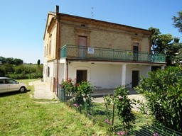 Detached 300sqm town house with 3000sqm of land and mountain views, from 1916 and habitable.