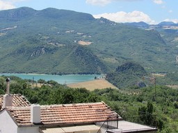 4 bed, habitable, town house with fantastic mountain and lake views from 20sqm sun terrace.