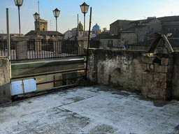 4 bed, vaulted ceilings, in the old part of the city of Lanciano with terraces and fantastic views