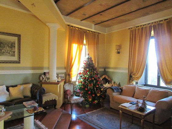 Nicely finished, 2 bedroom apartment with spectacular mountain views in the center of Lanciano.1