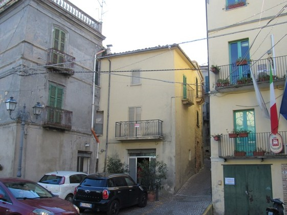 2 bedroom, stone, town house in the historic center of this idyllic, hill top village.