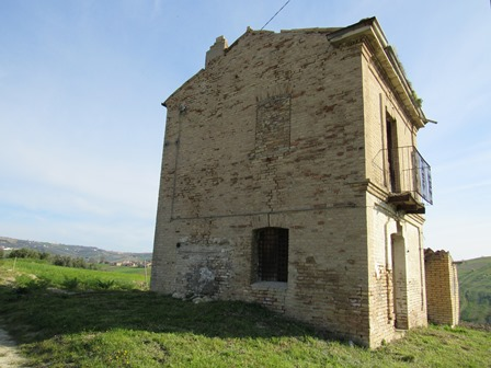 Ruin built from original brick allowing a 100sqm villa with 3,000sqm of land, with open, mountain views.