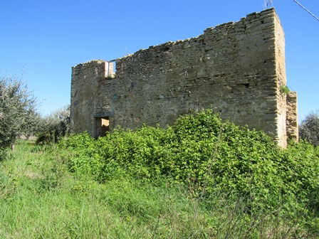 A 90sqm ruin with 3000sqm of olive grove in a very panoramic location offering mountain and valley views. 1