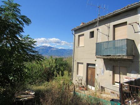 SOLD 2 bed, 9000sqm of land, 200 meters to lively town and fabulous mountain views 1