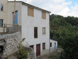 200sqm structure 10km to Roccaraso ski resort, with 200sqm of garden and 2 bedrooms1