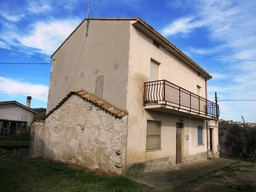 3 beds, peaceful country house of 160sqm , finished