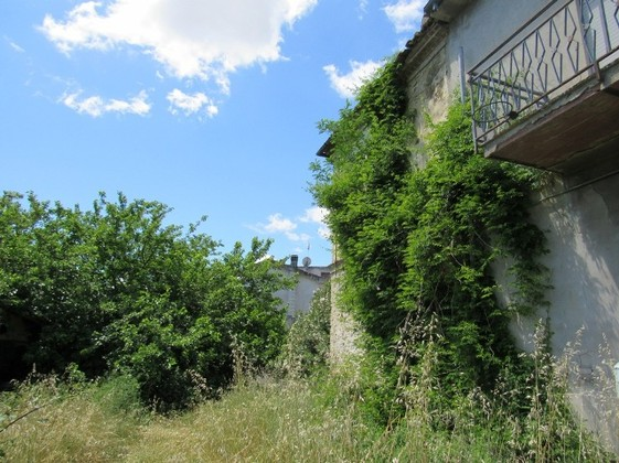 UNDER OFFER Stone countryside property, idyllic, peaceful, 3km to town, 10km to beach