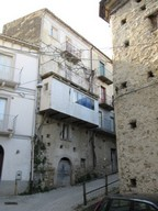 Stone structure, amazing views, town house with 3 bedrooms, semi-habitable.